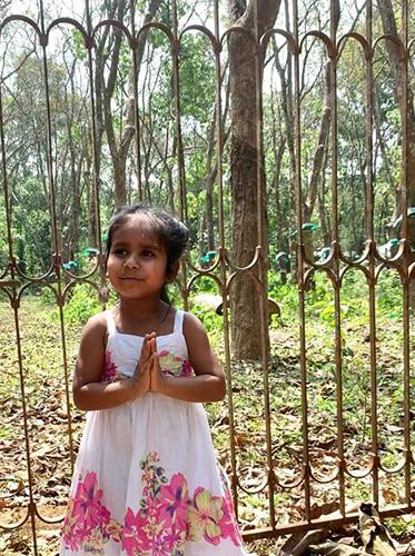 Nanni vor Maha Maya